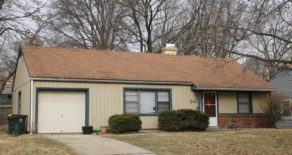 2412 W 76th St Prairie Village, KS